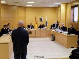 La Audiencia de Santa Cruz de Tenerife comenzó hoy el juicio contra el exseleccionador nacional de pruebas combinadas de atletismo, Miguel Ángel Millán, para quien se piden 14 años de cárcel, acusado de haber abusado sexualmente de dos menores a los que entrenaba. EFE