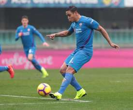 Luis Muriel controls the ball during a match for Fiorentina. EFE