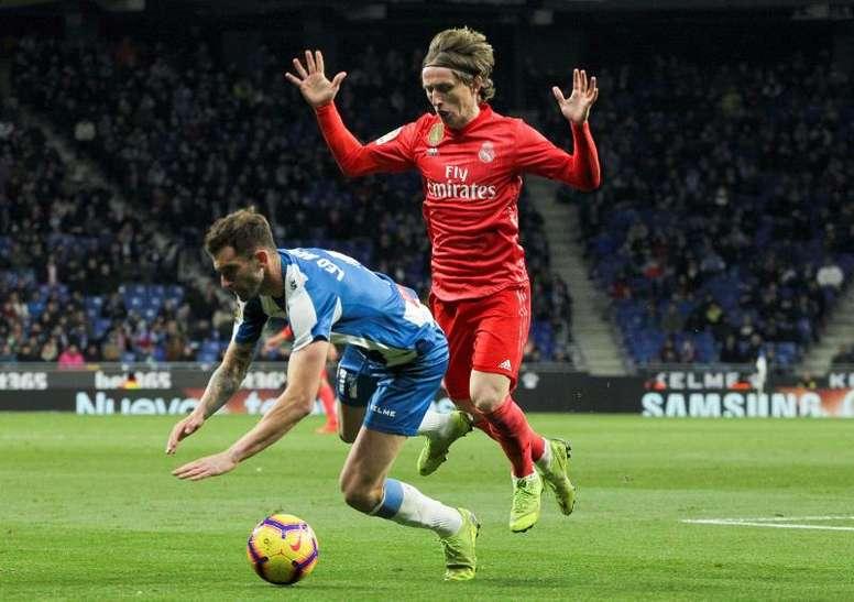 Simeone se méfie de Modric. EFE