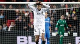 Garay tuvo que ser sustituido en el partido de Europa League. EFE/Archivo