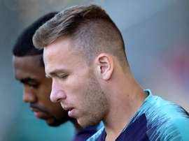Arthur was on the bench against Liverpool and did not feature. EFE