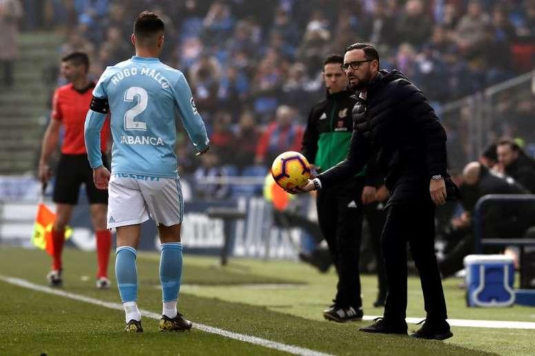 Hugo Mallo podría sufrir un esguince leve de rodilla. EFE