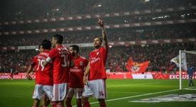 El Benfica se ganó un puesto en octavos. AFP