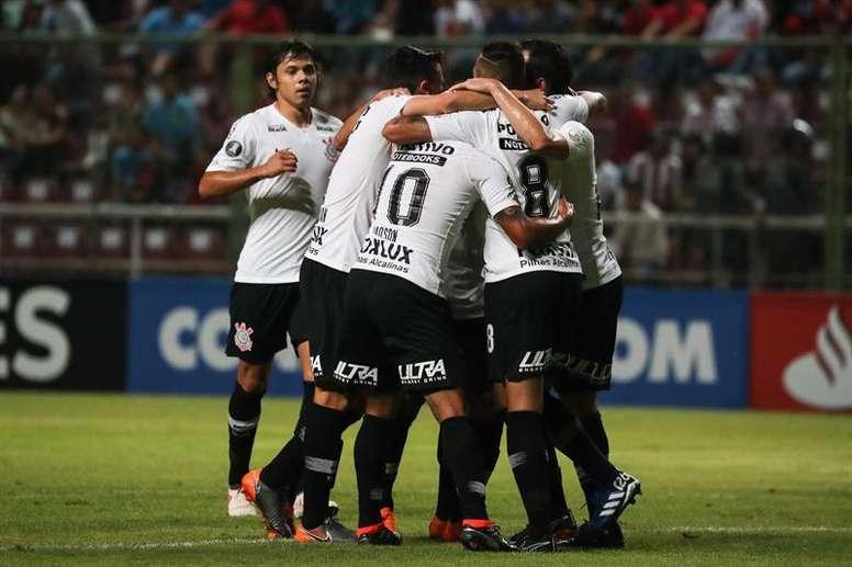 Corinthians busca redimirse ante un Racing sin Centurión. EFE/Archivo
