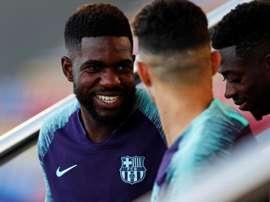Samuel Umtiti quer continuar no Barcelona. EFE