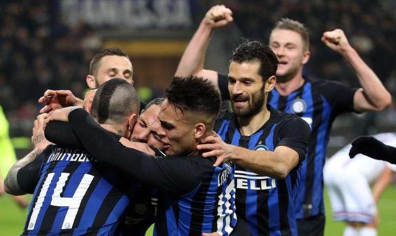 Los jugadores del Inter Milan celebran el gol de Danilo D'Ambrosio al Sampdoria en el Giuseppe Meazza de Milan, Italia. EFE/EPA