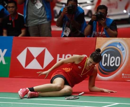 La española Carolina Marín, vigente campeona olímpica, mundial y europea de bádminton, tras lesionarse el pasado 27 de enero en Indonesia. EFE