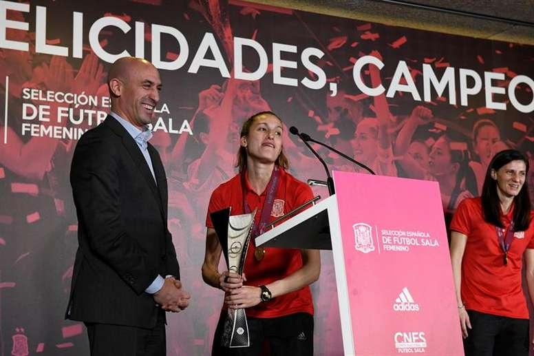 Solo la UEFA podría sancionar a los clubes femeninos. EFE