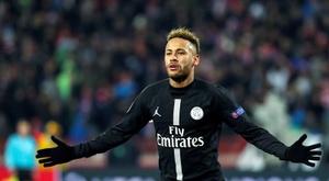 Lágrimas de Neymar tras su lesión. EFE