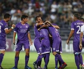Defensor Sporting golea en una tarde sin mucho en juego. EFE