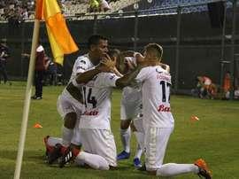 Once Caldas espera dejar sellado el pase ante Deportivo Sarandí. EFE