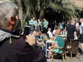 Un supporter du Celtic est tombé d'un pont à Valence. EFE