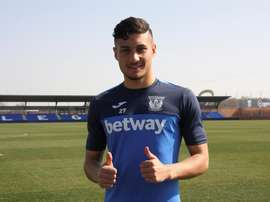 Óscar Rodríguez es feliz en el Leagnés, pero sueña con triunfar de blanco. EFE