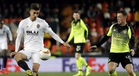 Callum McGregor sigue en la agenda del Leicester. EFE
