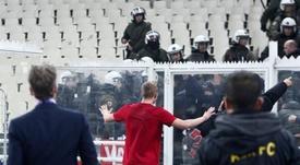 Los disturbios del AEK acarreraron una sanción de la UEFA. EFE