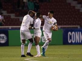 Liga de Quito y Deportivo Cuenca no bajan el pistón. EFE/Archivo