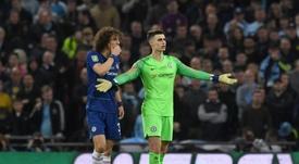 David Luiz, contra el fútbol que hizo el Burnley. EFE
