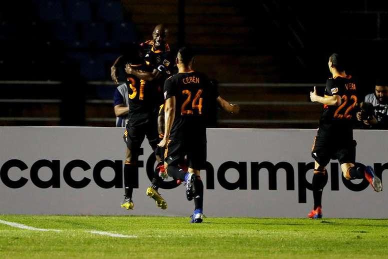 Manotas despierta de la siesta al Dynamo. EFE