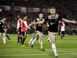 Juventus are planning to swoop for the Ajax defender. EFE