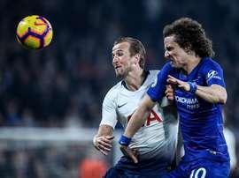 Chelsea veut prolonger David Luiz. EFE
