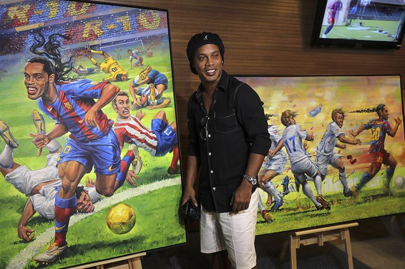 Bloquean 57 propiedades a Ronaldinho por sus deudas