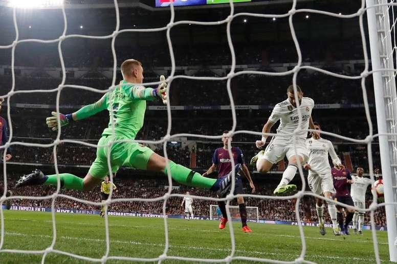 LaLiga plantea que el 'Clásico' no se juegue en el Camp Nou, sino en el Bernabéu. EFE