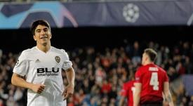 Carlos Soler podría jugar en el Tottenham. EFE