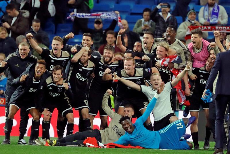 Besoccer Exhibición Del Su Récord El Bolsa Ajax En Tras Bernabéu TlFK1Jc