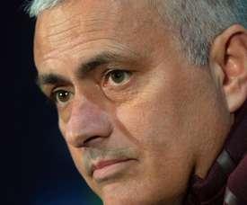 Mourinho mais uma vez nas manchetes. EFE/Archivo