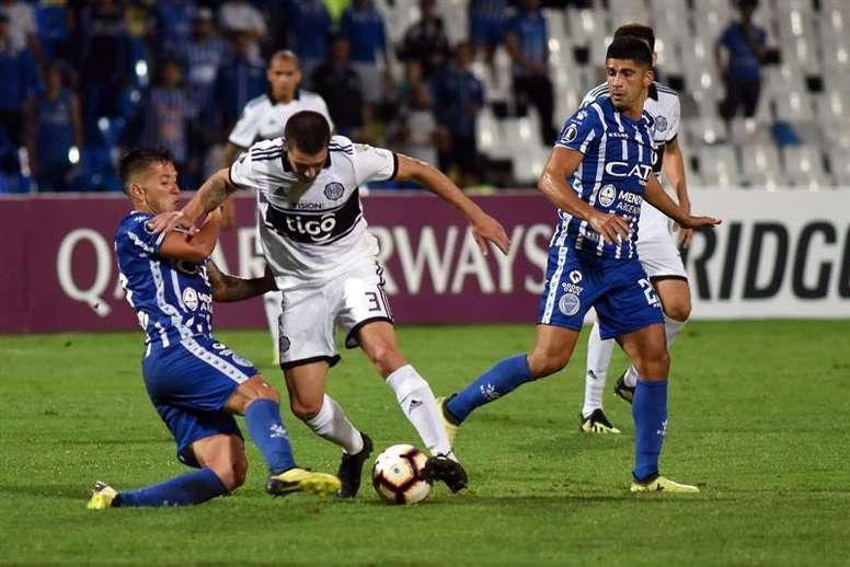 Olimpia debutó con un empate ante Godoy Cruz en la primera jornada. EFE/Archivo