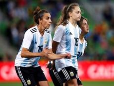 Los grandes estadios abren sus puertas a los equipos femeninos. EFE