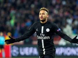 Leonardo was firm with Neymar on his return to Paris after his extended break. EFE