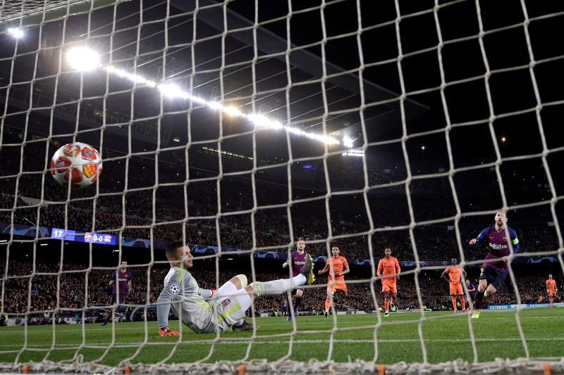 Goles de penalti de Cristiano vs. Messi selecciones