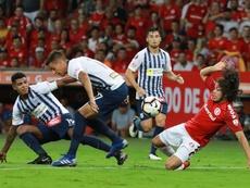 Dos zarpazos del uruguayo Nico López fulminan a Alianza Lima en Brasil. EFE