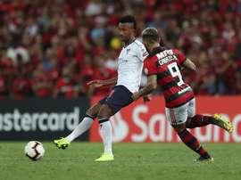 Flamengo se llevó la victoria en el 'Clásico'. EFE
