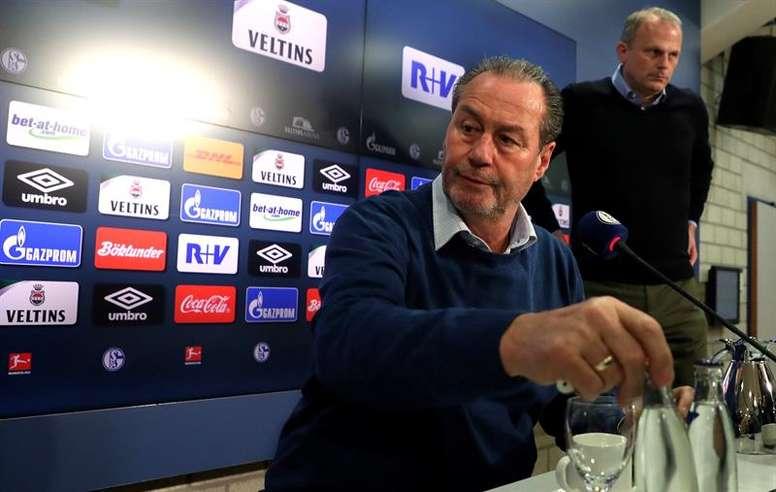Huub Stevens entrenará al Schalke 04 lo que resta de temporada. EFE