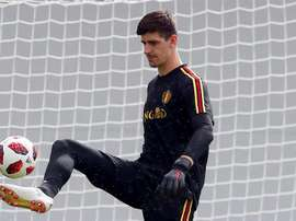 Courtois is the centre of attention. EFE