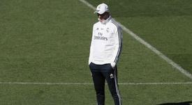 Zidane assumiu o comando da equipa e hoje senta-se no Bernabéu outra vez. EFE