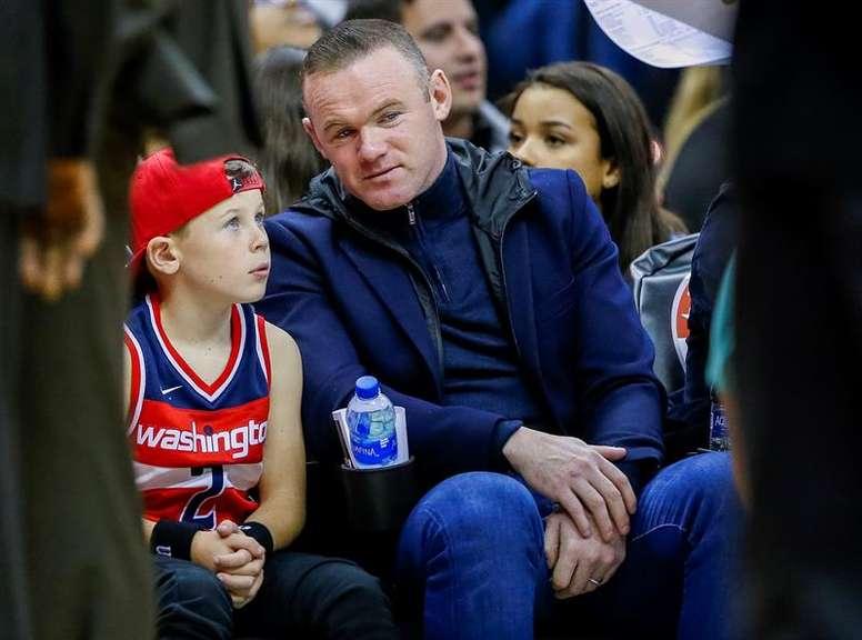 Wayne Rooney tiene un problema de fidelidad. EFE/Archivo