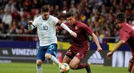 Jhon Murillo celebró el partido que realizaron ante Messi. EFE