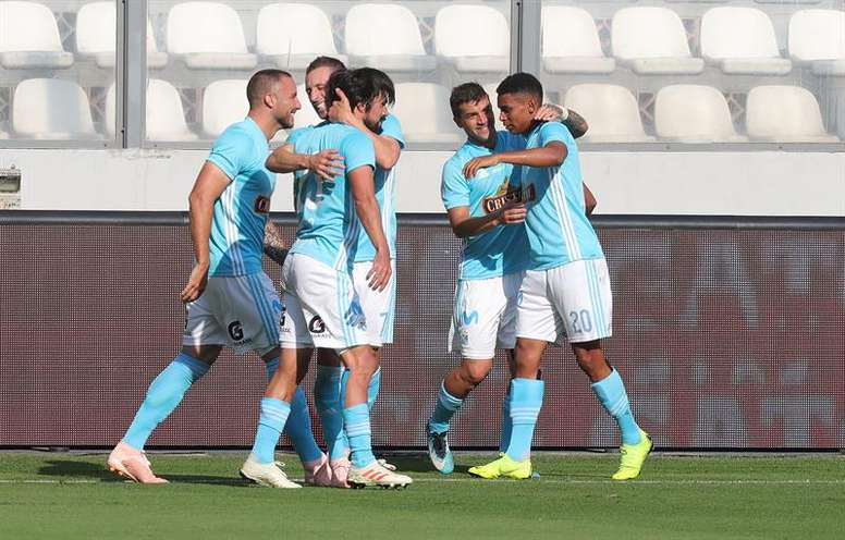 Sporting Cristal mantiene su presión a Binacional. EFE/Archivo