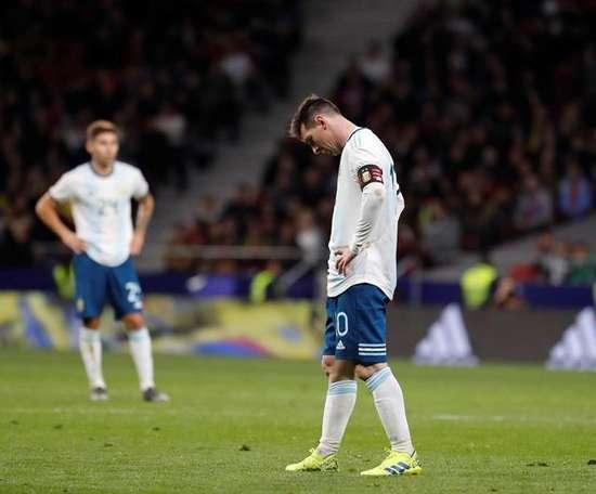Simeone sai em defesa de Messi. EFE