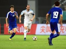 Con Godín de protagonista, Uruguay ganó la China Cup. EFE