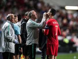 Portugal perdió a Cristiano mediado el primer tiempo. EFE
