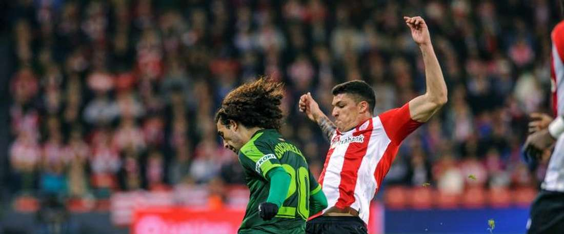 Capa sets the pace for Athletic. EFE