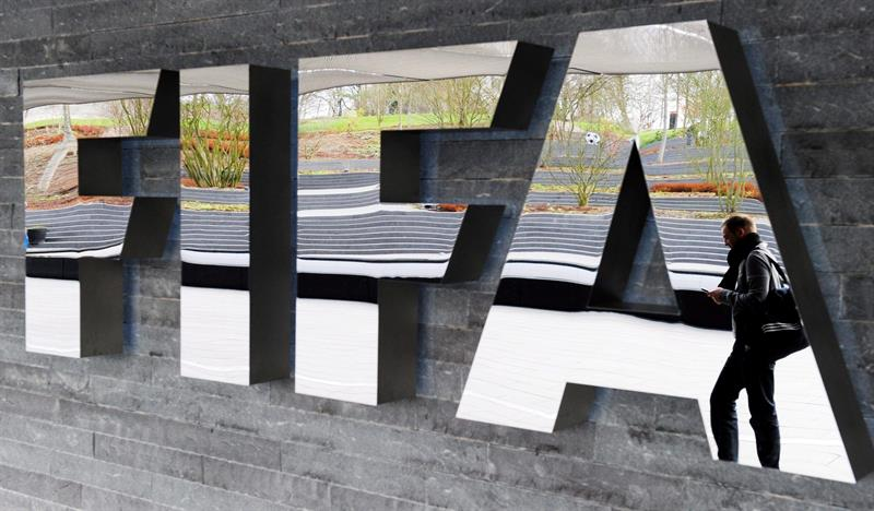 Transferts : la FIFA confirme l'interdiction de recrutement de Chelsea