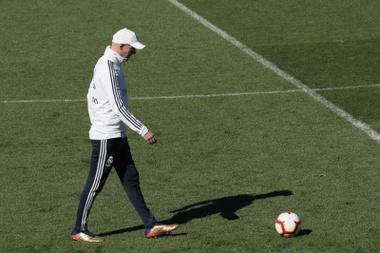 Zidane pensa al nuovo Real Madrid. EFE/Archivo