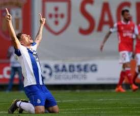 El Oporto sacó tres puntos en un partido complicadísimo. EFE