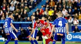 Escalações oficiais de Alavés e Atlético de Madrid pela décima primeira rodada da Liga, 2019-20. EFE