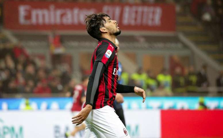 Paqueta has been given a three game ban for hitting the referee. EFE/Archivo